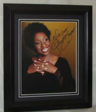 A110GK GLADYS KNIGHT SIGNED